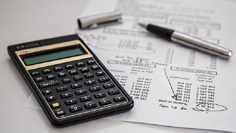 bidang spesialisasi akuntansi - kalkulator menghitung pajak